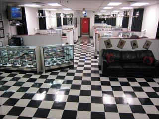 Tattoos Shops on Aces Tattoo Shop   Interior